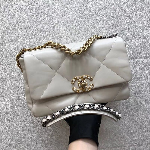 [CHANEL] #샤넬 AS1160 19 미듐 플랩 백 C08225200