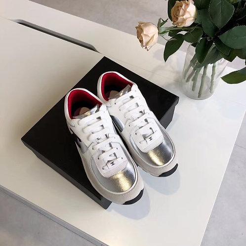 [CHANEL ]#샤넬 19F/W 신상 CC 로고 레이스업 스니커즈 B15108780