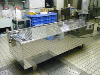 局所排気装置付き解剖台 I型
