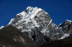lobuche-peak1.jpg