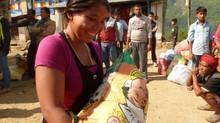 L'aide arrive dans les villages: On a besoin de vos dons!