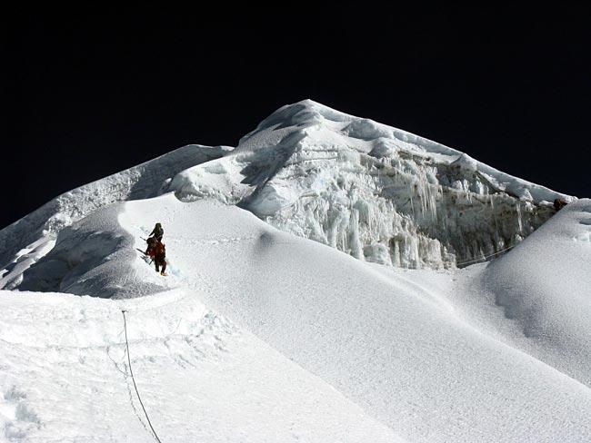 lobuche-summitday1.jpg