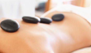 Massage aux pierres chaudes