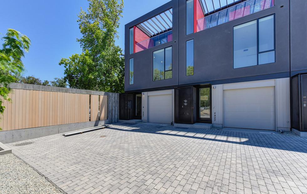 Modern-house-design-for-sale-5.jpeg