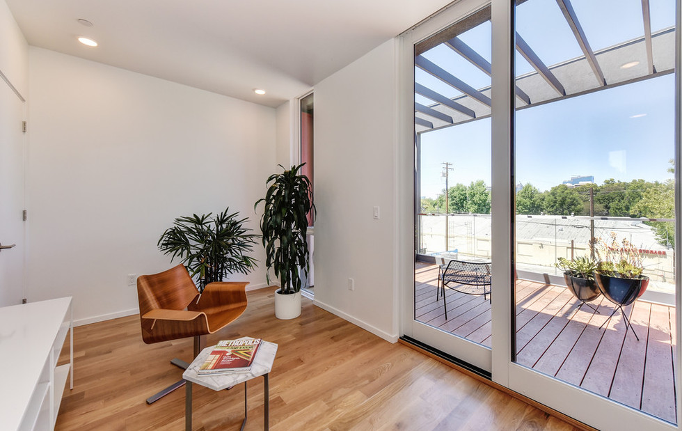 Loft with Access to Rooftop Deck