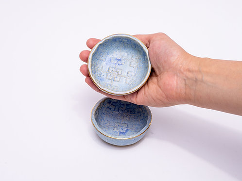 Dip bowls blue with golden edge
