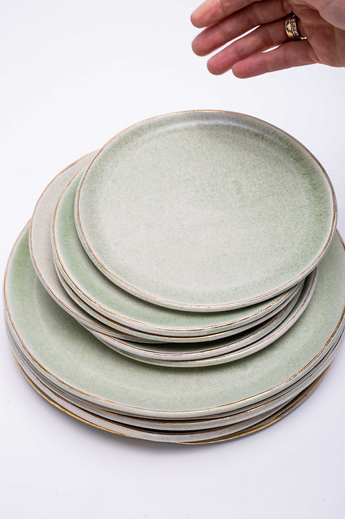 Plate set small green with golden edge