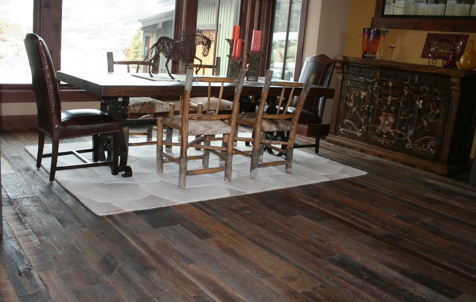 Tobacco Oak AgedSawn Flooring