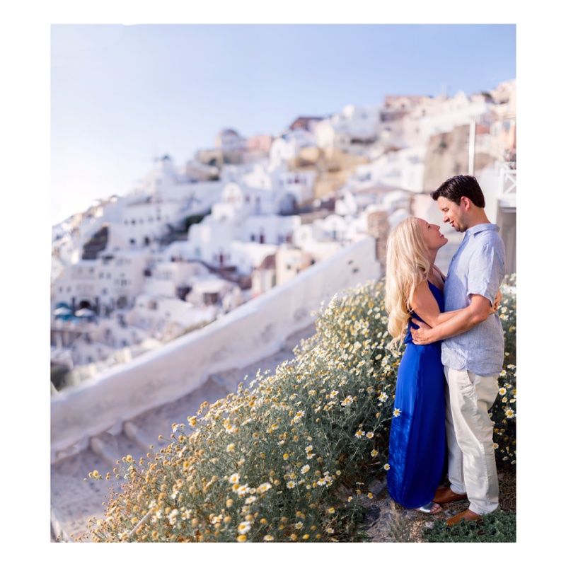Santorini honeymoon photographer Oia