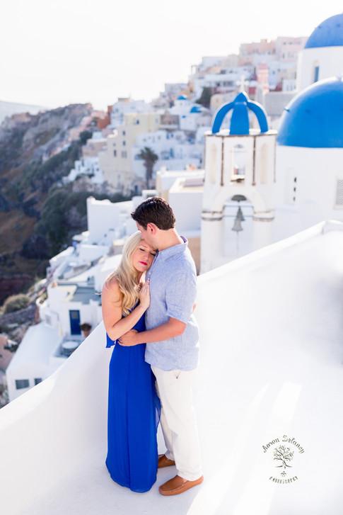 Honeymoon santorini photographer