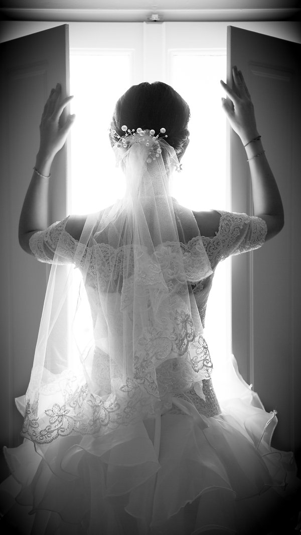 Stunning Santorini wedding photographer Greece