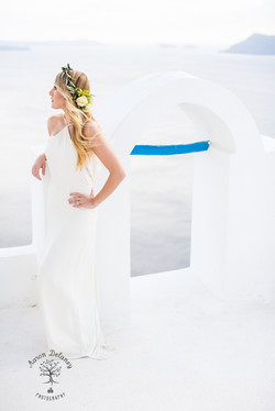 oia wedding photographer santorini