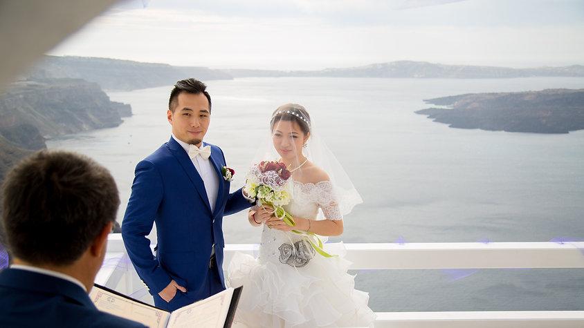 Stunning destination wedding in Santorini Greece