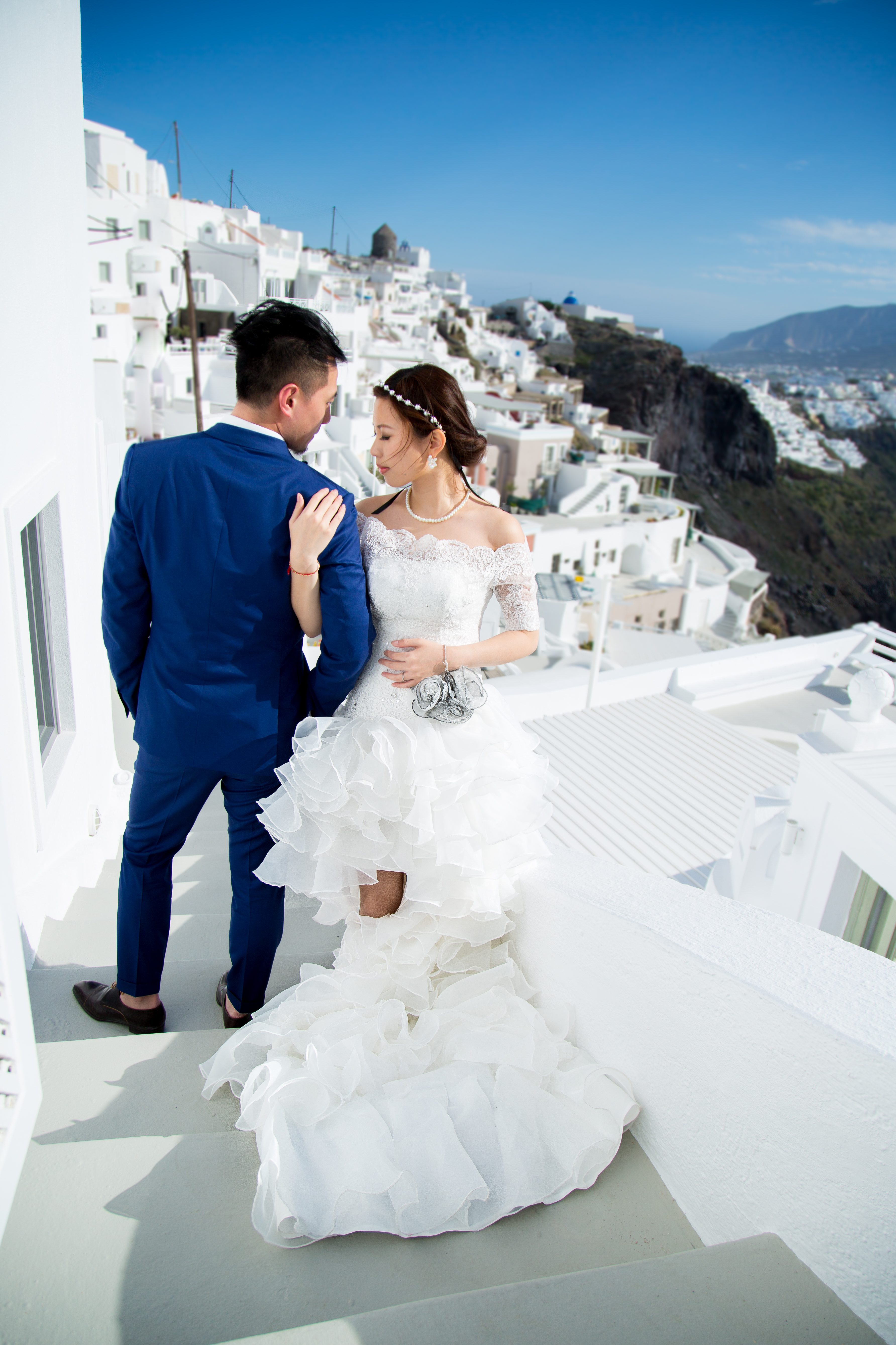 Top Santorini wedding photographer