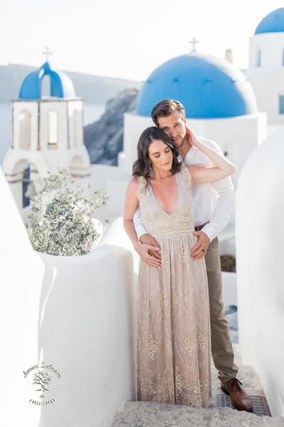Santorini Honeymoon & wedding Photographer - Aaron Delaney Photography