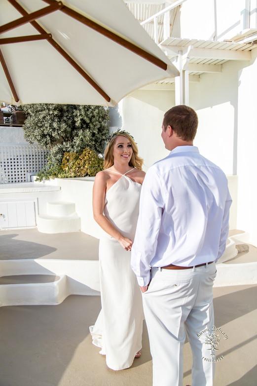 Santorini wedding ceremony secluded