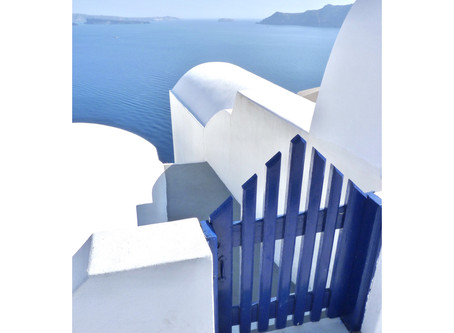 Back to Santorini for an elopement destination wedding.