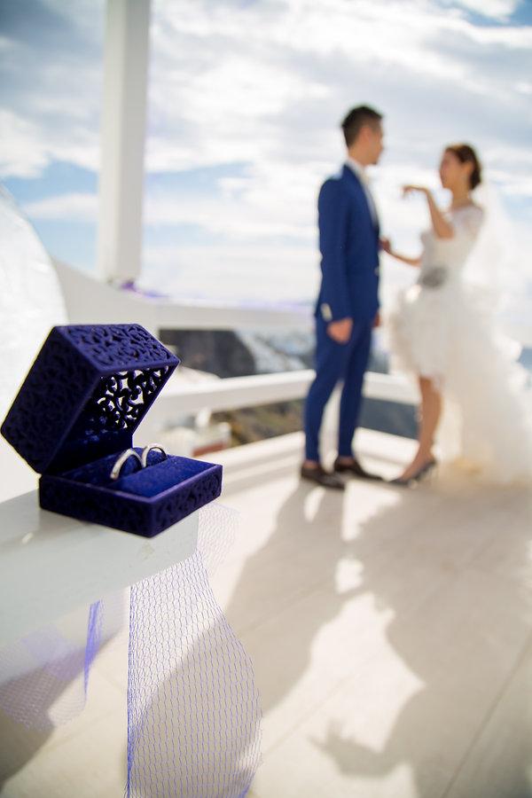 Santorini best destination wedding photographer