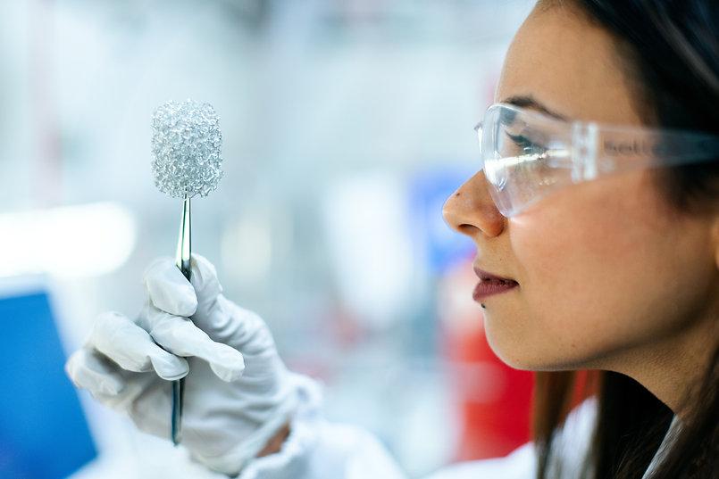 chemistryengineer-holding-clean-energy-b