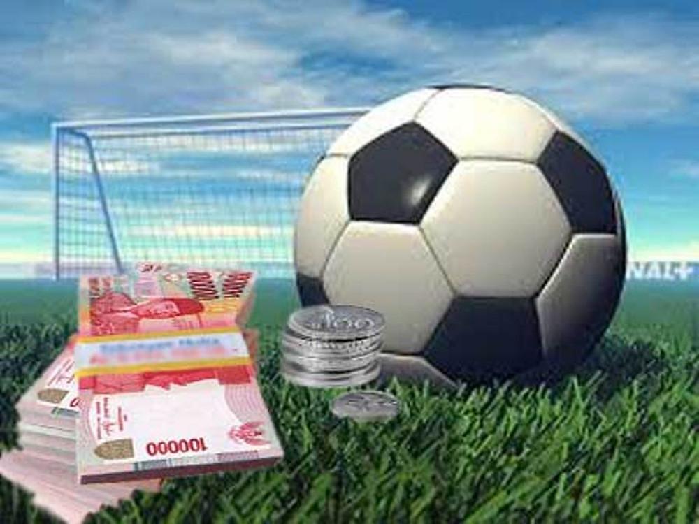 Keuntungan Membaca Artikel Judi Bola Online Sebelum Bermain