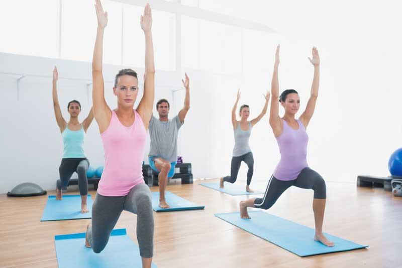 Clase de pilates o yoga