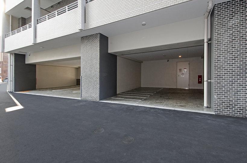 006 平置き駐車場.jpg