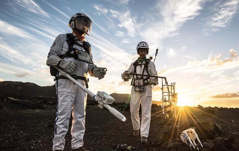Scientists moonwalk in Lanzarote