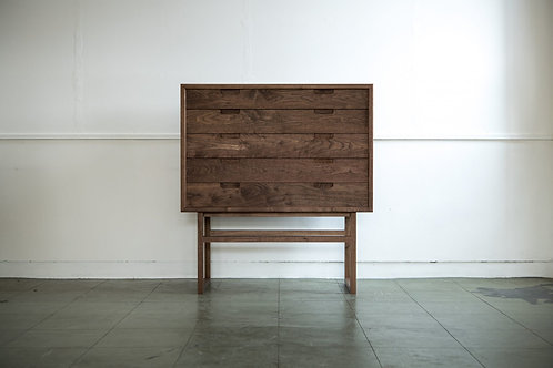 Salvia Gallery Chest