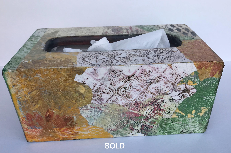 O106 - Tissue Box