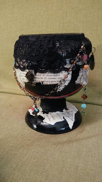 O117 - Decorative Cup