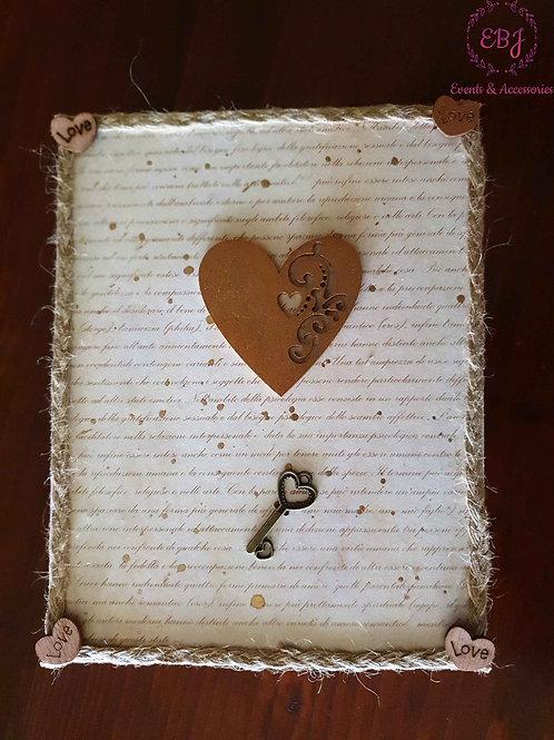 Scatola vintage con cuore e chiave