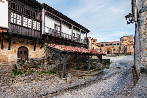 Santillana-del-Mar-