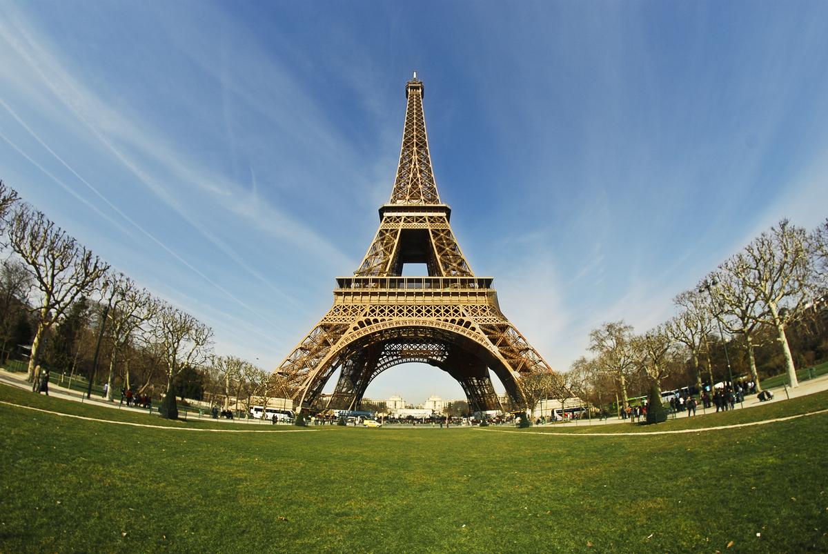 Tpur Eifel, Parigi