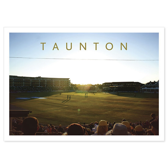 Taunton Somerset County Cricket Club - Sold in pack (100 postcards)