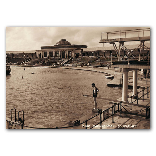 Southport Sepia No 10 - Sold in pack (100 postcards)