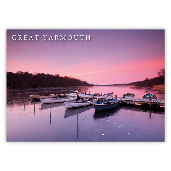 Great Yarmouth, Rowboatds Dusk - Sold in pack (100 postcards)