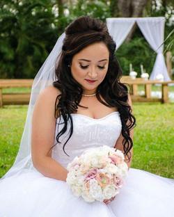 Another shot of the beautiful bride!!!! 👰💖 #tampamakeup #tampamakeupartist #tampamua #makeupbypink