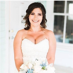 This natural beauty on her wedding day!!