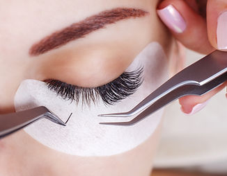 Eyelash Extension Procedure.jpg Woman Ey