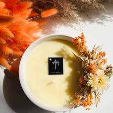Bougie parfumée avec pince fleurs séchées