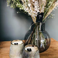 Assortiment bougie et fleurs séchées