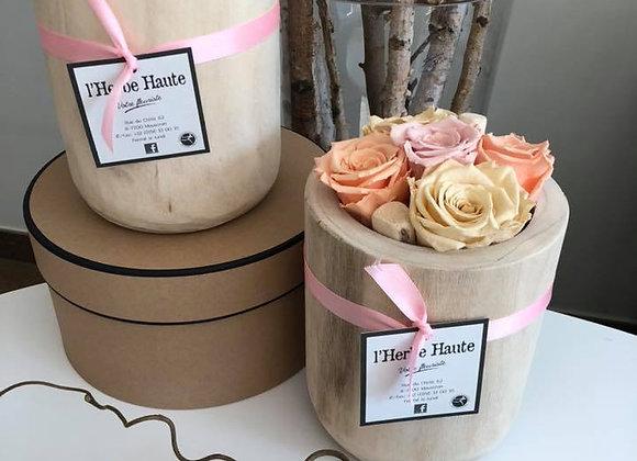 Roses éternelles vase en bois