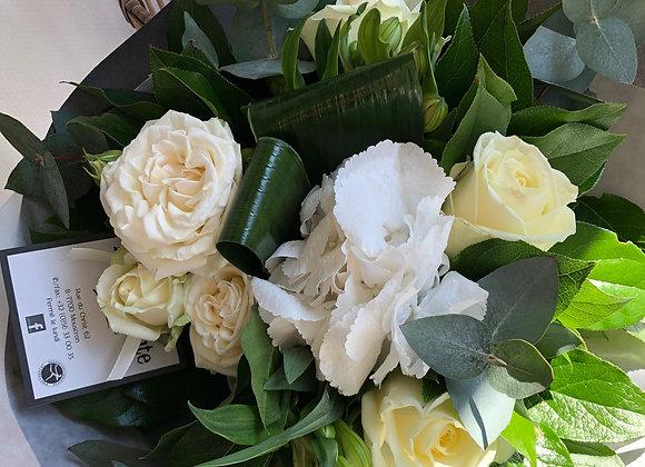 Bouquet blanc serré 4