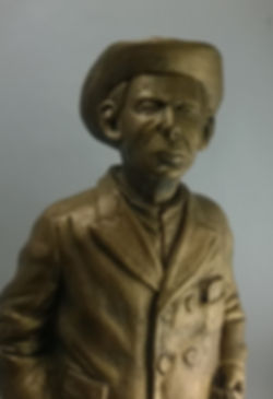 Escultura en resina simil bronce-Busto de resina símil bronce-Estatua de resina símil bronce-Estatuas de Proceres argentinos en resina símil bronce- Busto de San Martin en resina símil bronce