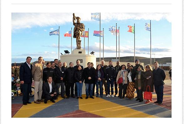 Monumento Hernando de Magallanes Puerto Santa Cruz Argentina. Escultor argentino Guido Di Stefano