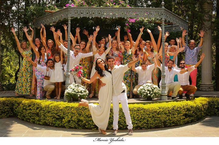 Facebook - Poucas vezes vi casamento com noivos tão QUERIDOS...jpg