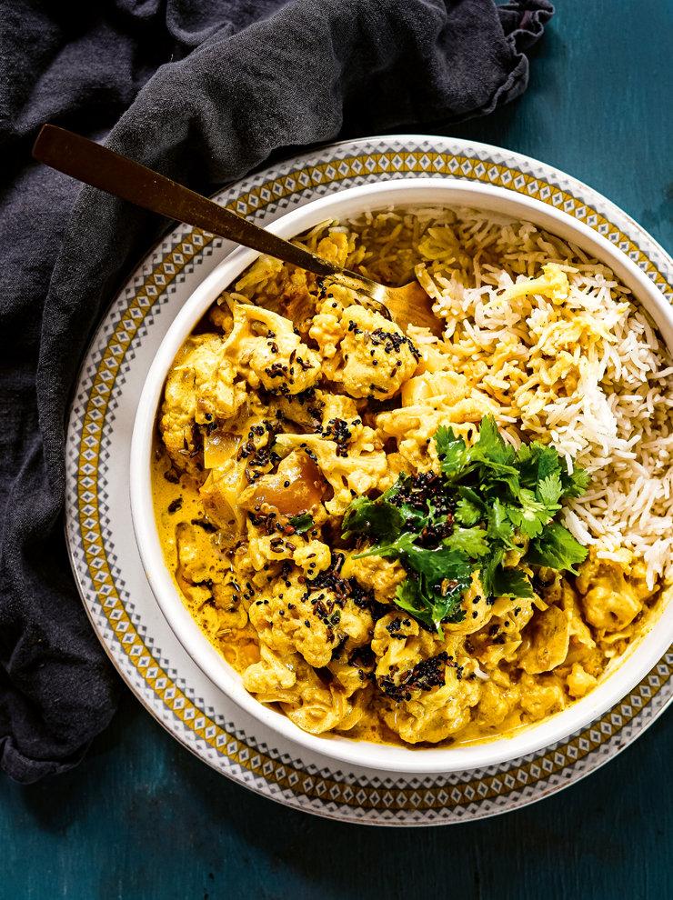 Cauliflower and fenugreek curry