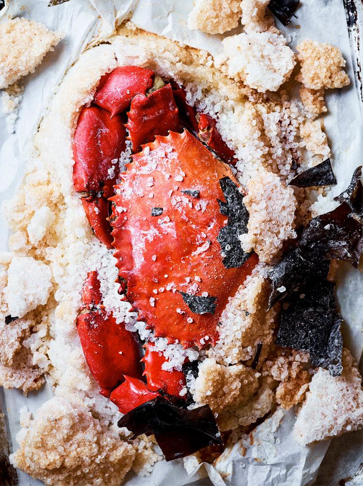 Salt-baked mud crab