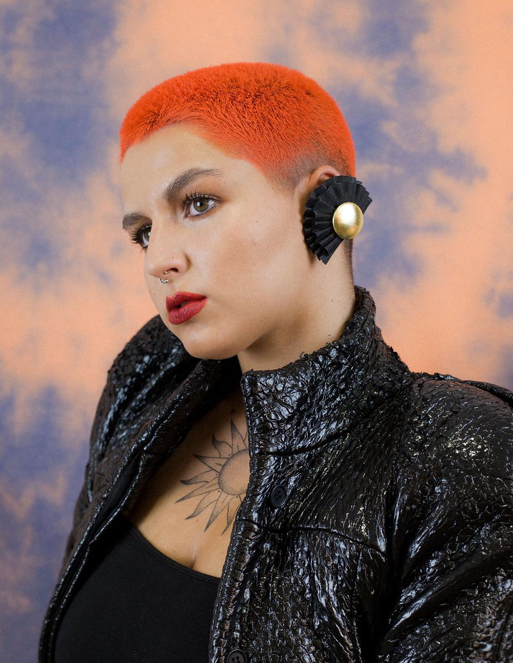 tendencias-ochentas-pelo-naranja-sarah-kceres-atelier