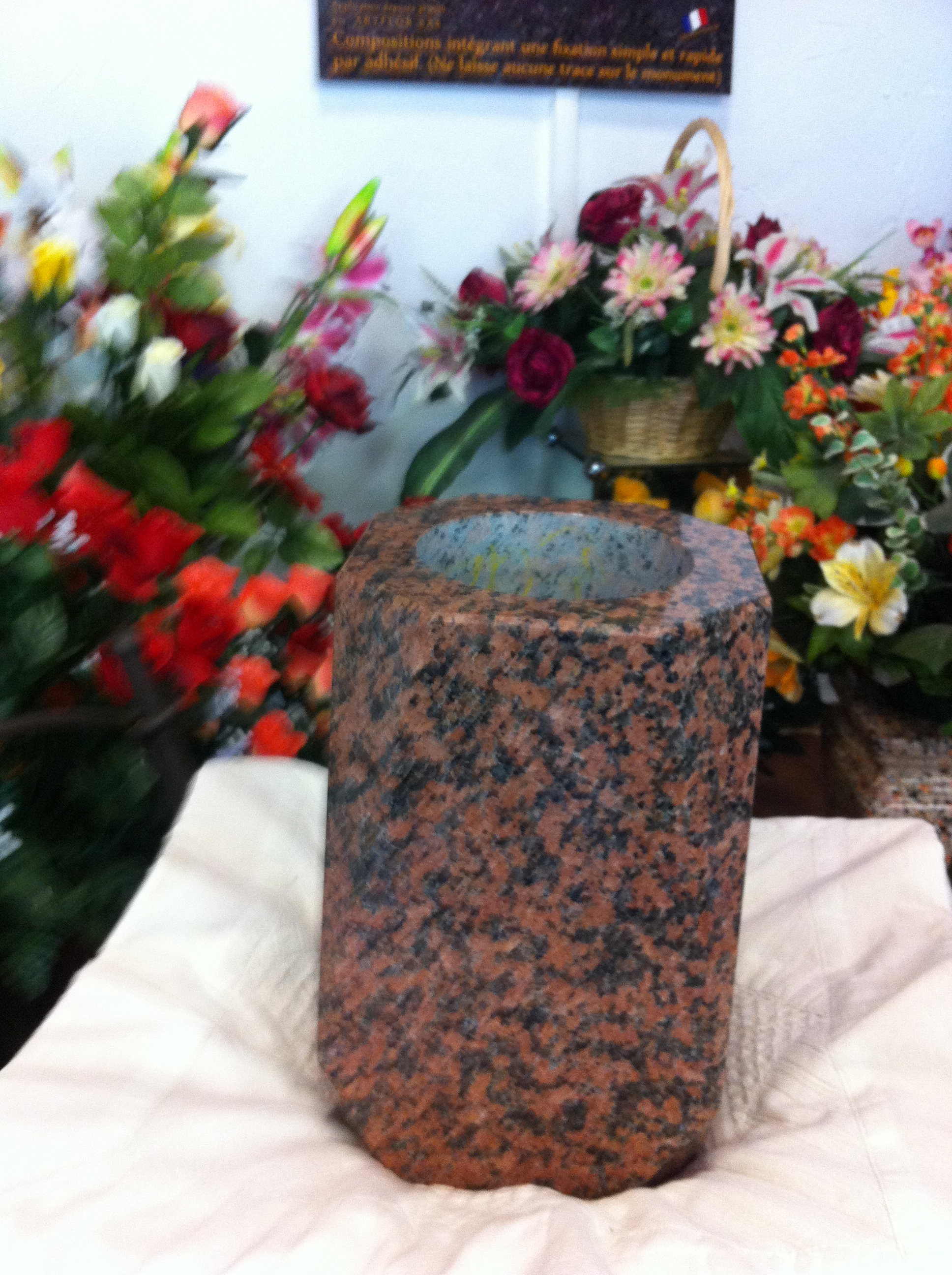 vase en granit
